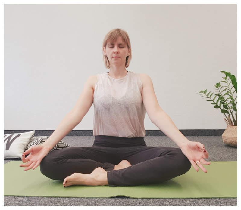 Yogamaya-atemübung-yoga-kapalabathi-schwanger-werden