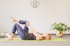 3 Yogaübungen zur Rückbildung im Wochenbett