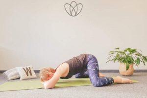 Read more about the article 4 Yogaübungen bei Beckenendlage deines Babys
