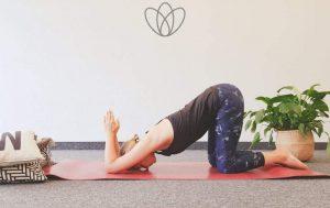 6 Yogaübungen gegen verspannte Schultern und Nacken