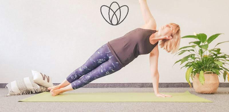 yogamaya yoga flacher Bauch seitliches brett