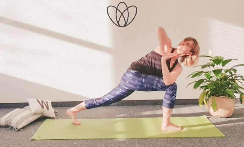 yogamaya yoga flacher Bauch winkelstellung