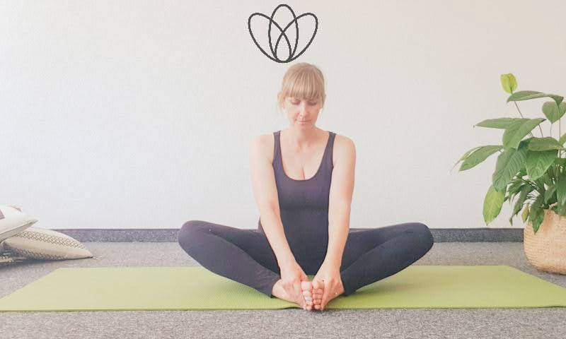 yogamaya 5 Übungen gegen Übelkeit und Brechreiz Schmetterling