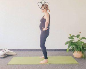Read more about the article 4 Yogaübungen bei Steißbeinschmerzen in der Schwangerschaft